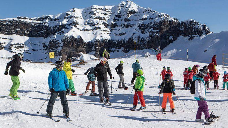 Esperan recibir a 10 mil  esquiadores por día
