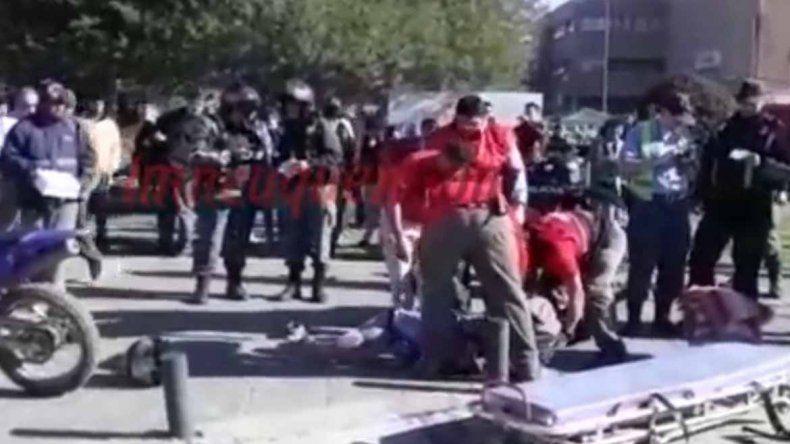 Una persecución a motochorros terminó en plena feria del Parque Central