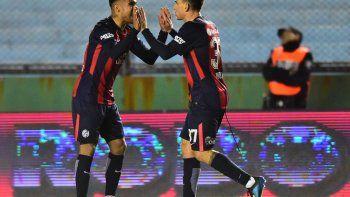 El festejo del gol de Díaz, que llegó a los 17 del complemento.