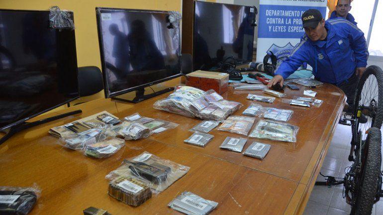 Detuvieron a una banda que robaba comercios y recuperaron 480 mil pesos