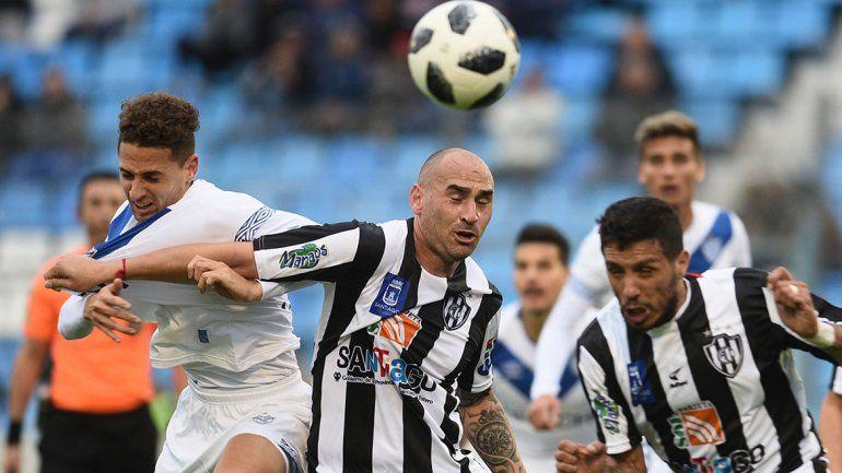 Otra sorpresa en la Copa Argentina. Los santiagueños