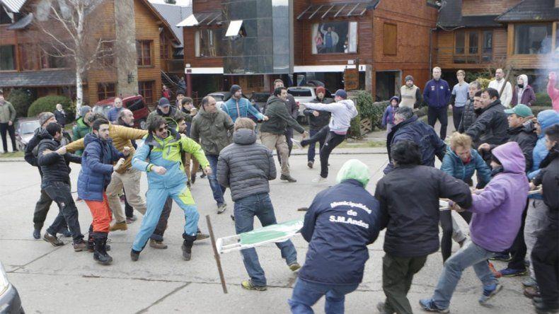 Accesos a Chapelco: incidentes en San Martín de los Andes entre municipales y comerciantes