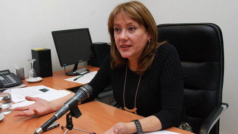 Provincia les da una mano a venezolanos con sus papeles