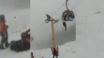 Rescataron a seis personas de un teleférico en el Bayo