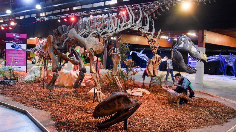 Otra manera de conocer el mundo de los dinosaurios