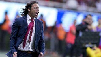Matías Almeyda no tiene club y espera ofertas. Por ahora no es prioridad, pero se ilusiona con la chance.