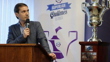 Mariano Elizondo, presidente de la Superliga, hizo el anuncio.