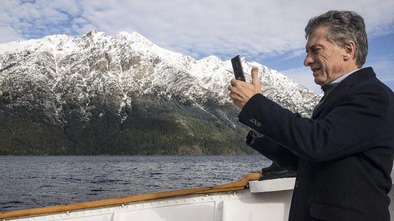 Entre la Cordillera y el golf, Macri descansa en Neuquén con su familia