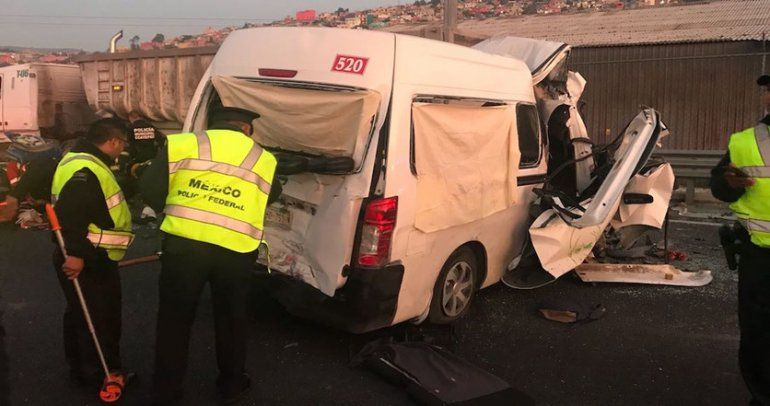 Trece muertos y ocho heridos en un fuerte accidente en México