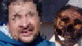 polemica en santa fe por una selfie en un cementerio