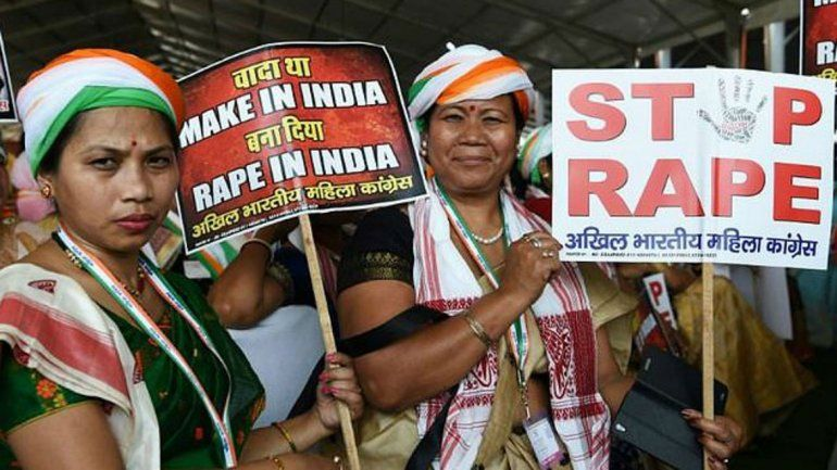Fue violada por 40 hombres durante cuatro días — Deleznable