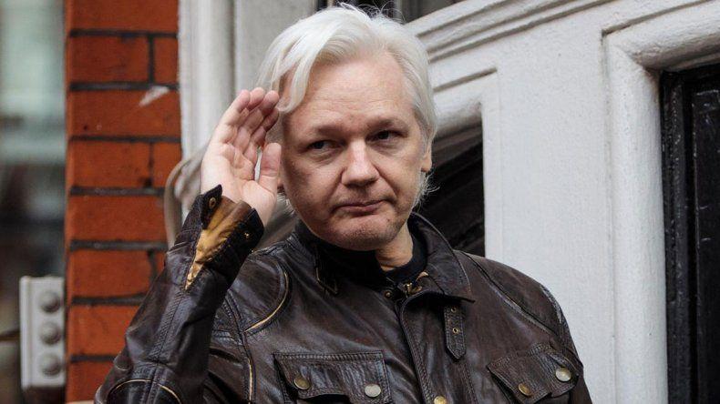 Assange sería detenido enseguida si le quitan el escudo diplomático.