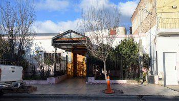 pesadilla: un hotel tomado tiene en alerta a los vecinos de un barrio centrico