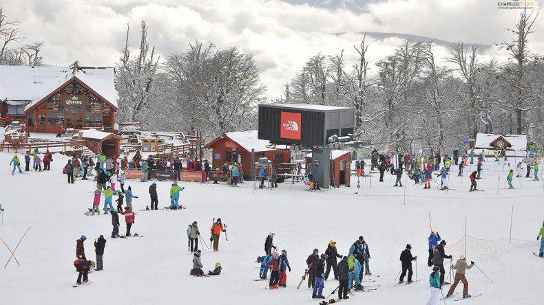 Los centros de esquí le sacaron bonus track  a la nieve del finde