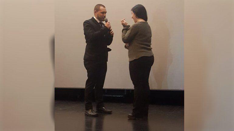 Romance de película: le pidió casamiento en el Cine Español