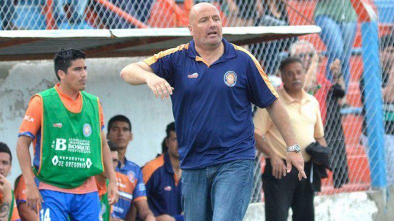 Mauro Laspada seguirá a la cabeza del Deportivo Roca.