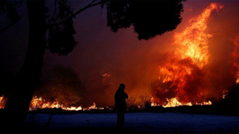 Al menos 50 muertos por los incendios forestales en Grecia