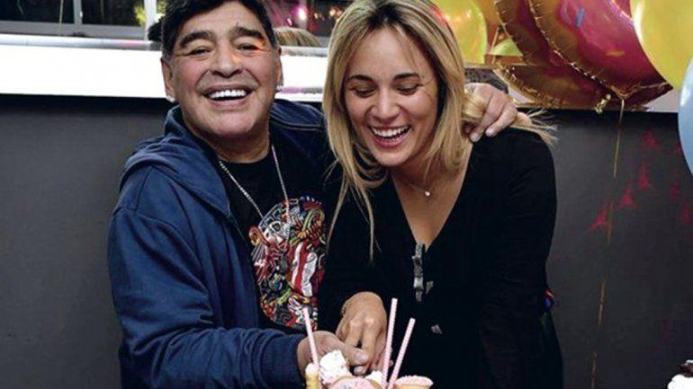 Bomba mundial: Maradona se casa con Rocío Oliva