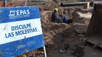 Caño roto: Villa María sigue sin agua y nadie sabe por qué