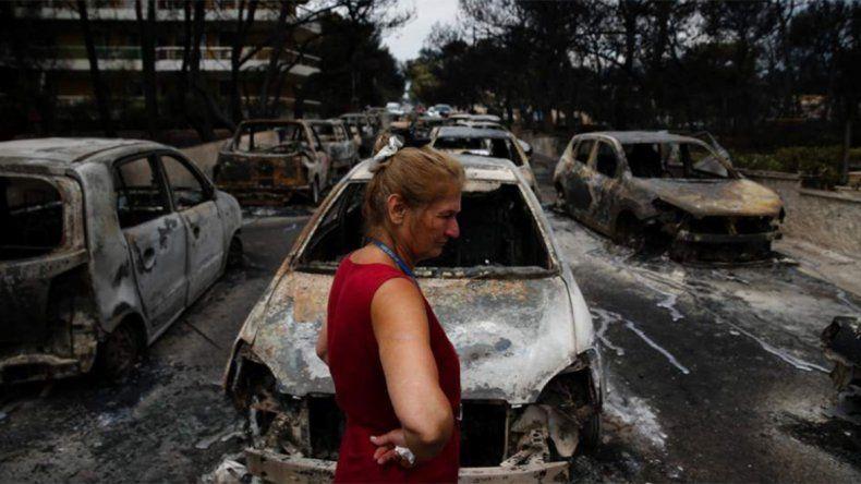 Grecia llora a sus 79 muertos en incendios forestales
