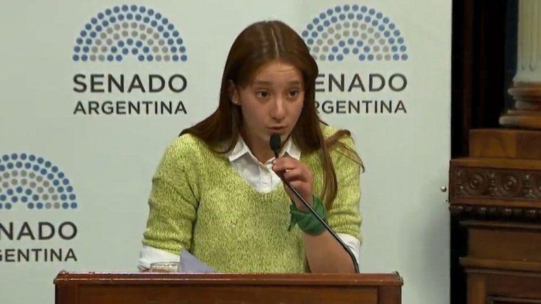 Una joven salteña sorprendió en el debate del Senado por el aborto legal