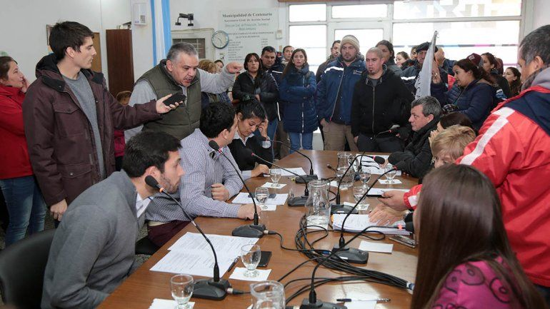 Concejales aprobaron la suba del colectivo en Centenario