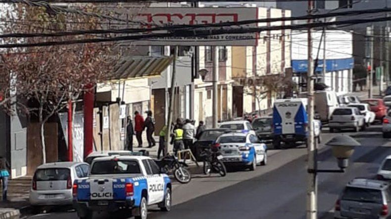 Intentaron usurpar una casa en el centro: fueron detenidos