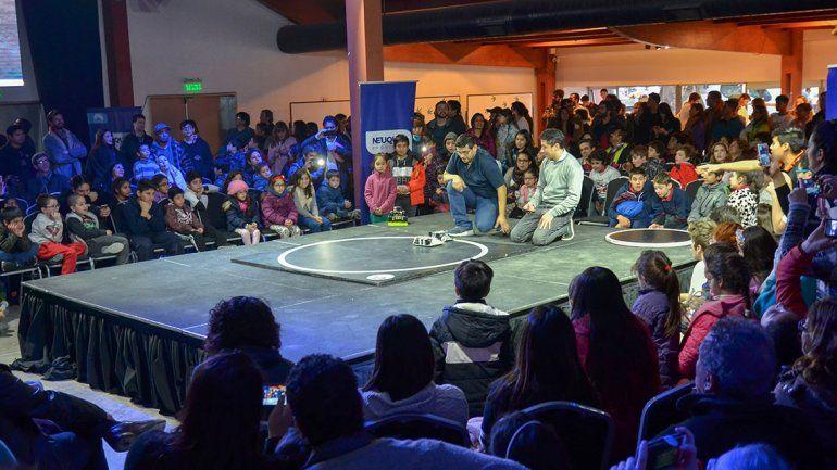 Misión Dino se despidió con una jornada a puro robot