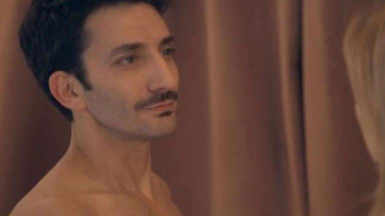 El desnudo de Juan Minujín explotó en las redes