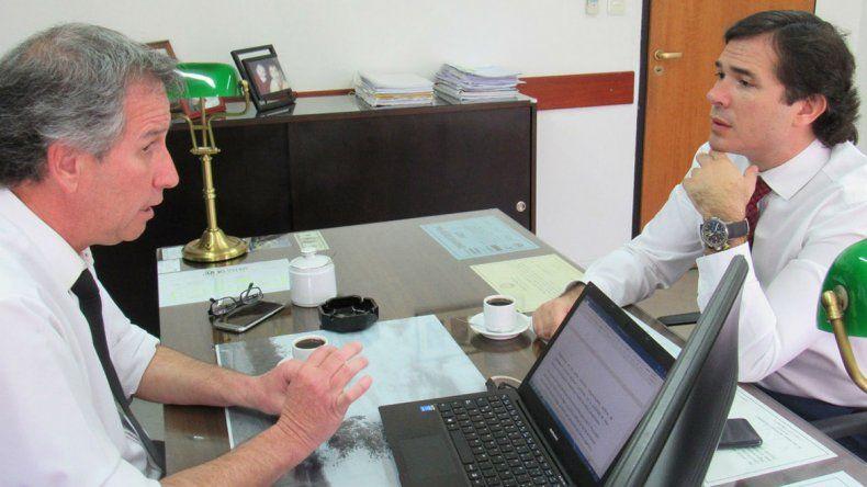 Firman convenio para perseguir  el delito regional