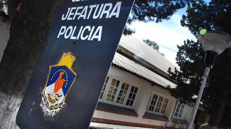 Fiscalía allanó Jefatura y secuestró cinco vehículos
