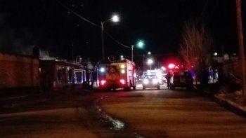 Un incendio destrozó una vivienda en el barrio Progreso