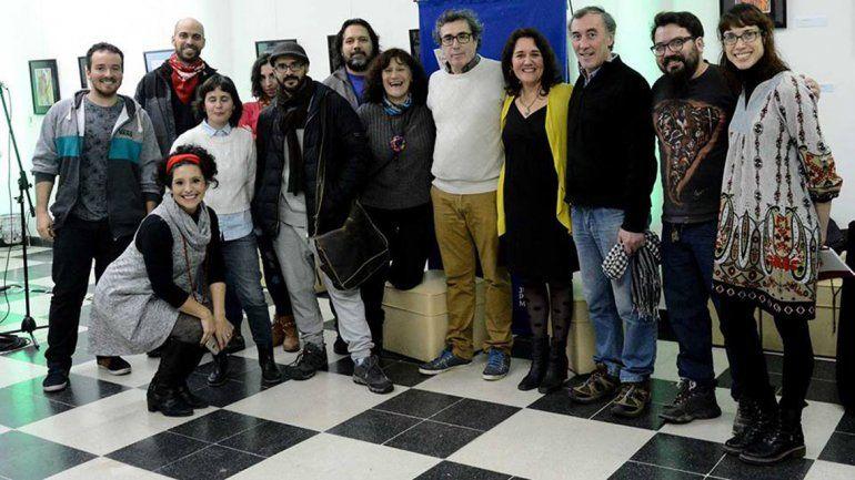 El equipo que participó en la Feria de Editoriales