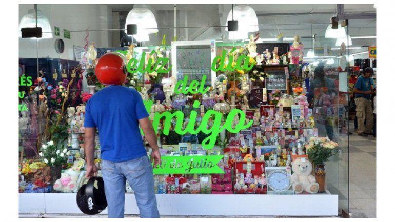 El regalito del Día del Amigo no pasó de los 500 pesos