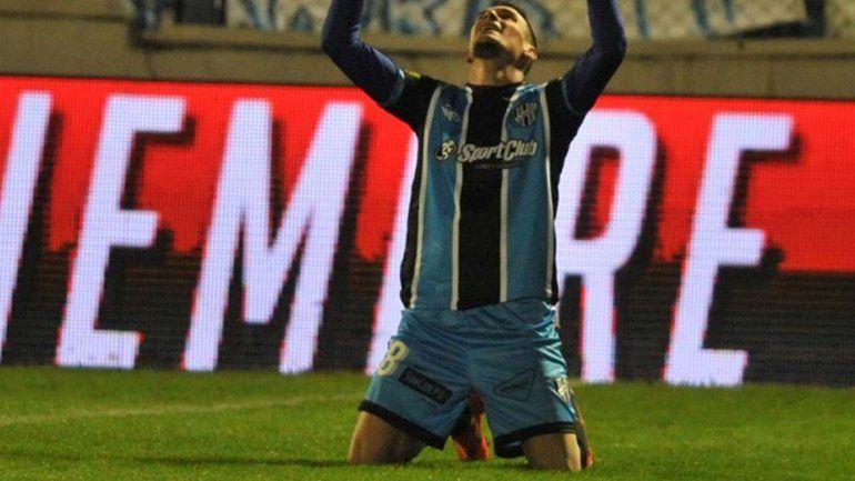 Acosta celebra el gol con el que Almagro se convirtió en rival de Cipo.