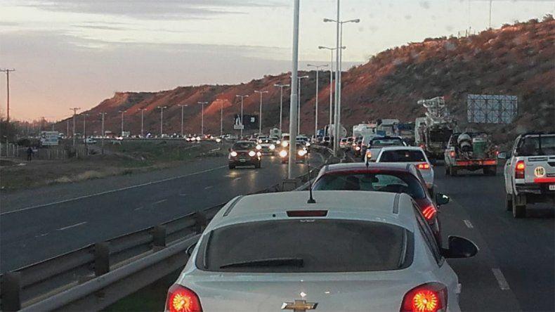 Tres autos protagonizaron un choque en cadena sobre la Ruta 7