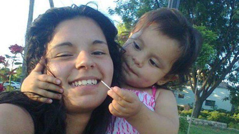 Buscan indicios de Marisol en un dique cordobés
