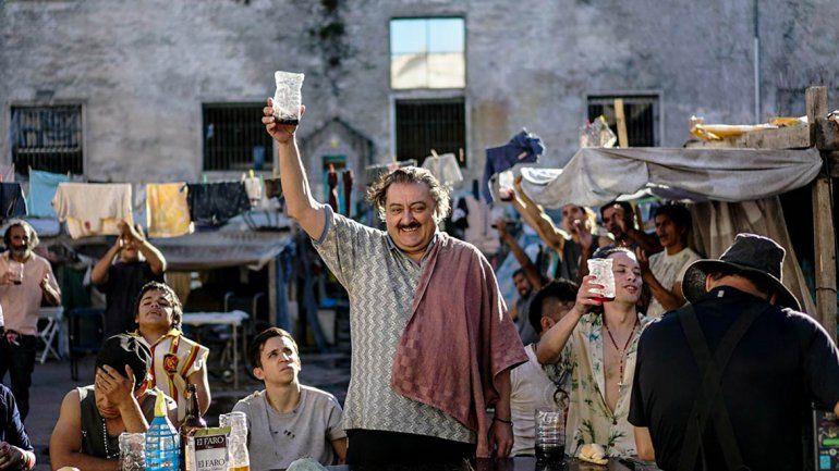 La alianza con Antín (Gerardo Romano) comenzará a dar sus frutos.