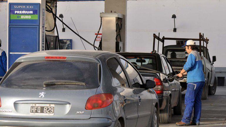 Surtidores calientes: se viene otro aumento en los precios de las naftas