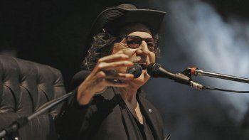 El genial músico ya había mostrado su descontento con Macri porque brindaba con agua.