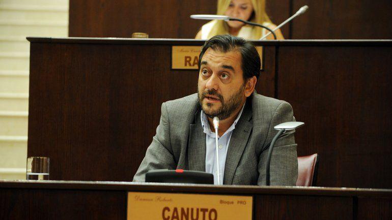 Damián Canuto (Cambiemos) fue duro con el partido provincial.