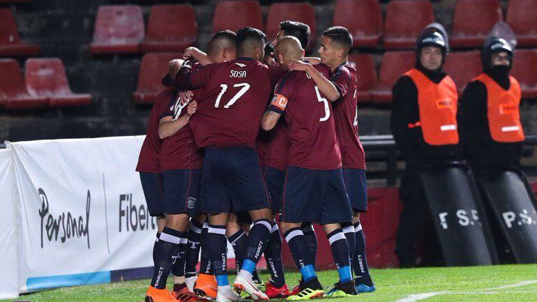 El festejo del primer gol de Godoy