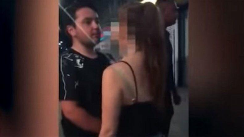 Un hombre noqueó a una mujer con dos brutales piñas