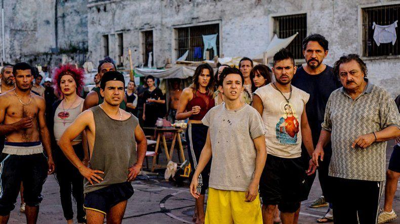 Rodrigo Noya en una de las escenas en la cárcel de San Onofre.