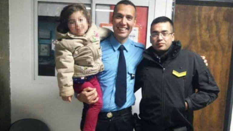 Policías salvaron a una nena que llegó inconsciente a la Comisaría