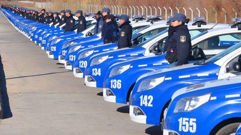 Gutiérrez anunció un incremento de sueldos a policías