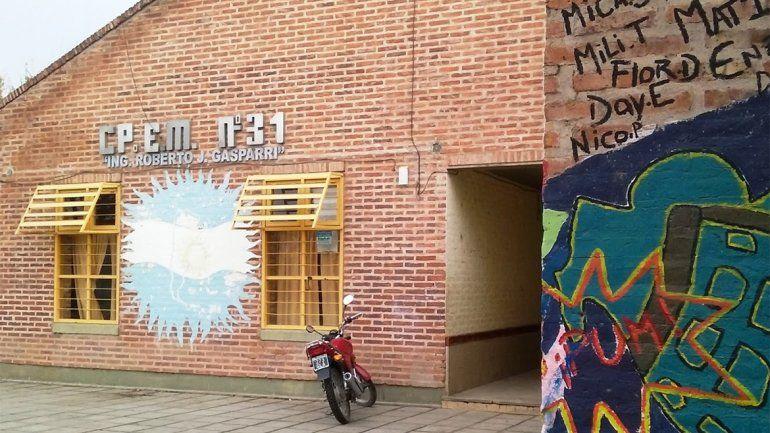Estudiantes denunciaron por abuso a un preceptor en el CPEM 31