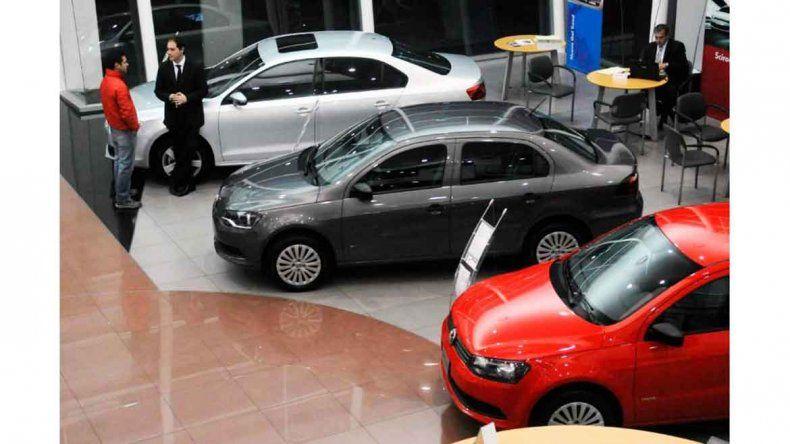 El patentamiento de autos se mantiene por encima de 2017