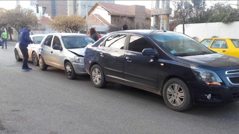 Choque en cadena en Santa Genoveva: uno de los conductores circulaba sin licencia