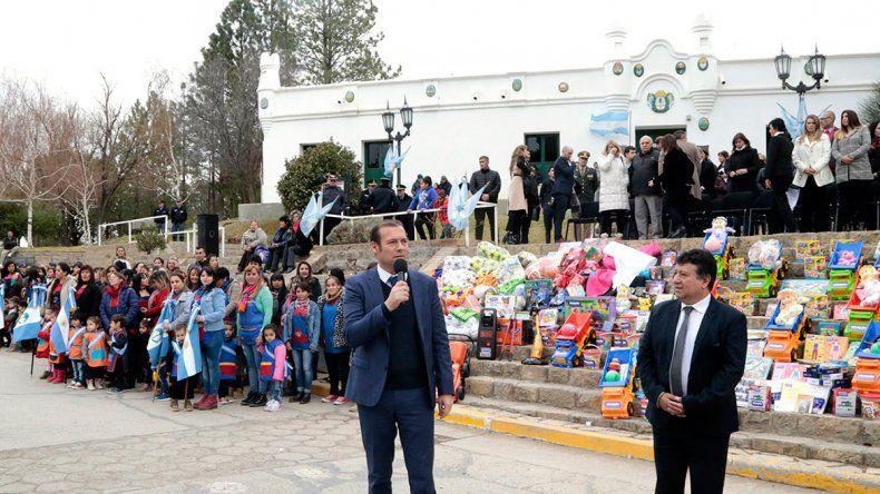 Gutiérrez encabezó el acto por el 131° aniversario de Chos Malal